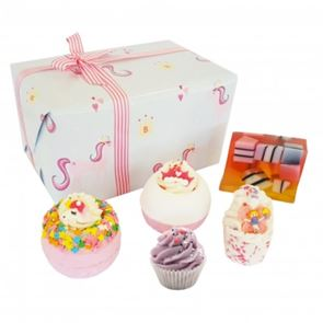 Bomb Cosmetics Sprinkle Of Magic Gift Set